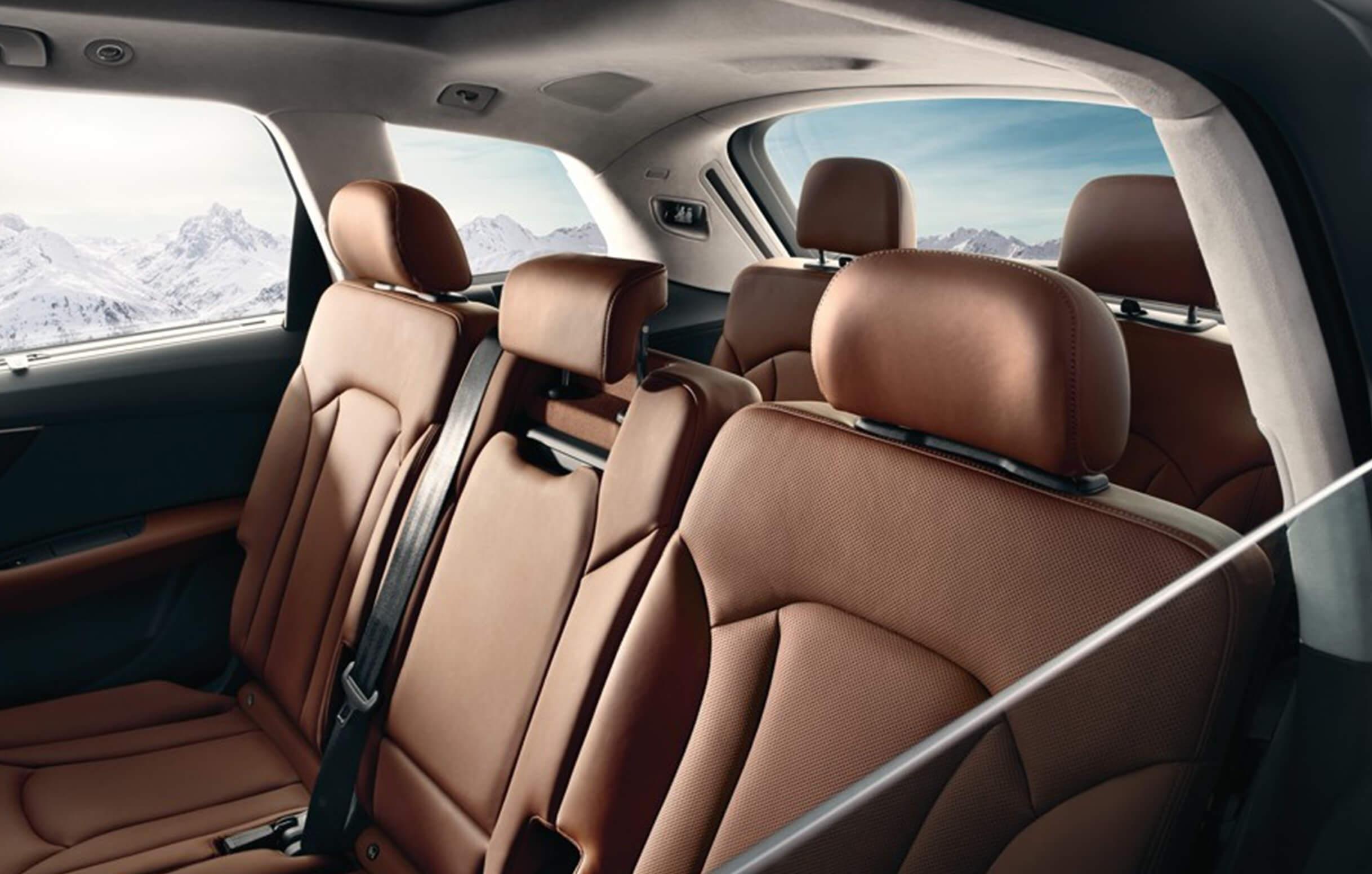 audi-q7-interior – Chariots of Fire Limousines
